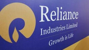 Reliance Jio to roll out broadband service on fibre across 900 cities