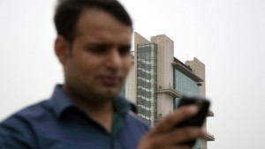 India has 95.5 crore mobile subscribers