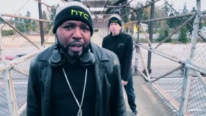 """HTC releases """"Hold the Crown"""" rap video featuring a dancing One (M8), and it is woeful"""