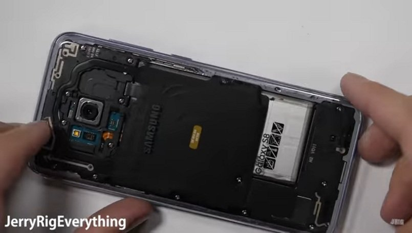 low priced df43c 8e22a Here's how you can make yourself a transparent Samsung Galaxy S8 ...