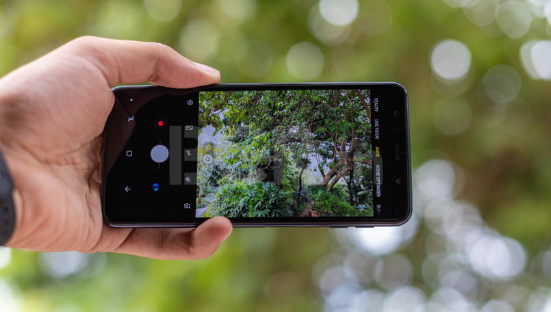 Samsung Galaxy A7 Camera Review: The triple camera-wielding device